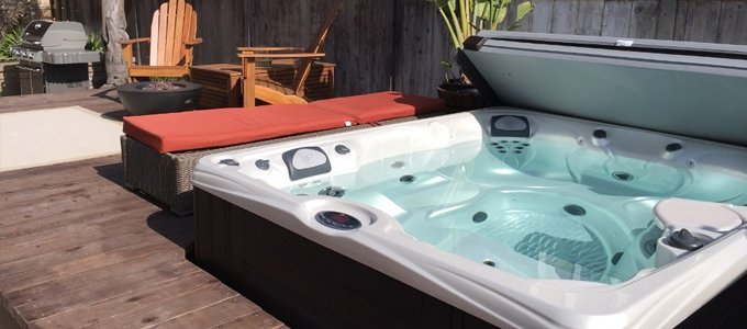 Luxe Badkamer Bubbelbad Hot Tub Of Stoomcabine Douche Concurrent