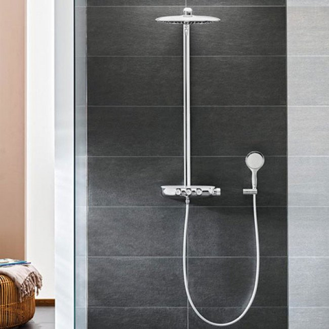 doucheset regendoucheset grohe rainshower smartcontrol douchesysteem met thermostatische. Black Bedroom Furniture Sets. Home Design Ideas